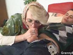 Tag: rambut blonde, nenek, porno hardcore, hisap konek.