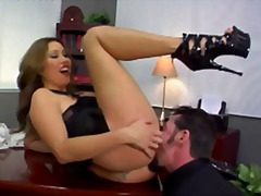 Kianna dior makes kiss ass and feet and then eat her pussy.