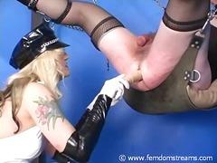 Etiquetes: dona amb consolador cinturó, puny, dones dominades, amants.