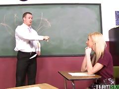Žymės: oralinis, vagina, mokykloje, oralinis seksas.