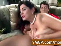 टैग: मिल्फ़, बड़े स्तन, अधेड़ औरत, मां.