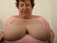 Oznake: debela dekleta, velike joške, velike joške, babica.