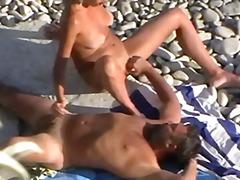 Žymės: paplūdimyje, vojaristai, mėgėjai.