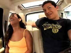 Tag: latino, hardcore, peitões, carro.