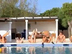टैग: किशोरी, स्विमिंग पूल, नंगी.
