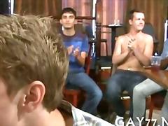 Sildid: pidu, gei, avalikus kohas, stripp.