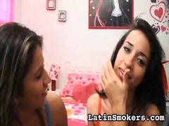 टैग: लैटिन देश की, धूम्रपान करते हुए.