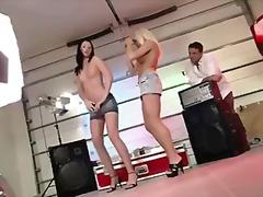 Sildid: stripp, tants.