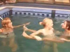 टैग: पहला, स्विमिंग पूल.