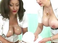 Tags: rokas masturbācija, fetišs, pusmūža sievietes, ejakulācijas tuvplāns.