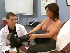 Tag: doktor, ibu seksi.
