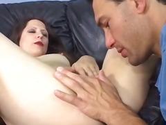 Tags: rokas masturbācija, orālais sekss, mātes, ejakulēšana sejā.