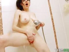 Теги: бритые киски, пальчиком, мастурбация, в ванной.