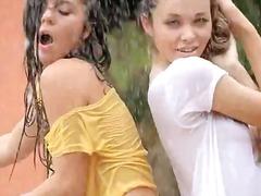 Oznake: tinejdžeri, brineta, plavuša, lezbijke.
