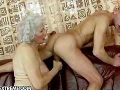 Тагови: баба, шмукање, хардкор, задник.