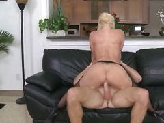 Tag: porno hardcore, punggung, nilon, ibu seksi.