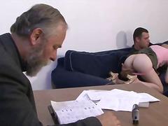 Drtuber ديوث يعرض زوجته
