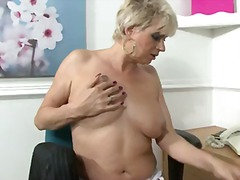 टैग: बड़े स्तन, योनि, प्राकृतिक चूंचियां.