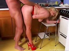 Tags: pusmūža sievietes, mātes, smagais porno.