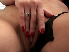 Tag: ibu seksi, matang, isteri, porno hardcore.