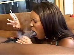 Žymės: sperma ant veido, brunetės, oralinis seksas, juodaodės.