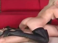 Ознаке: hardkor, oralni seks, fetiš, dominacija.