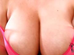 Tags: brunetes, pupi, dabiskās krūtis, solo.