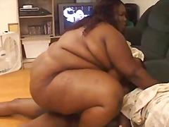 Tags: resnas meitenes, melnādainās meitenes, lieli pupi, melnādainie.