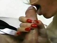 Tags: pusmūža sievietes, pirksti pežā, ejakulācijas tuvplāns, orālā seksa.