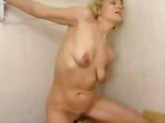 टैग: अधेड़ औरत, वीर्य निकालना, बड़ा लंड.