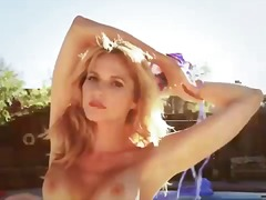 Tags: pupi, dabā, bikini.