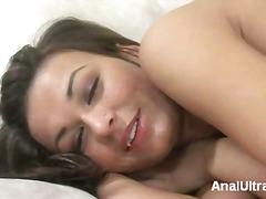 Tagi: brunetki, fellatio, lizanie odbytu, seks analny.