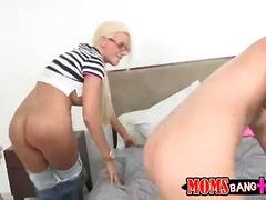 Tag: porno hardcore, bertiga, rambut blonde.