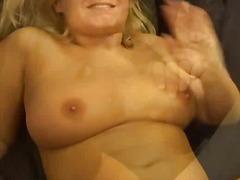 Etichete: sex in gasca, blonde, sperma aruncata, sperma aruncata pe fata.