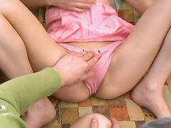 Tag: rambut blonde, tetek, seluar dalam perempuan, remaja.
