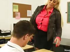 Tag: pertama, rambut blonde, pelajar, guru/cikgu.
