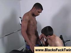 Tags: orālā seksa, orālais sekss, melnādainās meitenes.