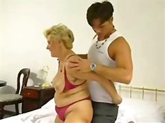 Tag: wanita gemuk, nenek, matang, rambut blonde.