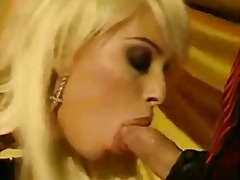 Oznake: hardcore, seks v odprto ritko, lizanje anusa, blondinka.