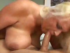 Hot mature sleeping fuck hardcore .