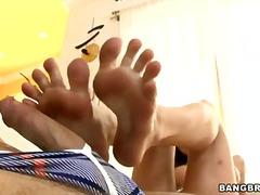Tagi: dobrze obdarowana, twarz, fetysz stóp, masaż.