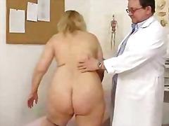 Tag: doktor, pantat, rambut blonde, ibu/emak.