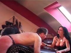 Žymės: nuogaliai su merginomis, dominantė, pėdų fetišas, masažas.