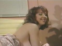 टैग: उन्नत वक्ष, छोटे चूंचे, आकर्षक महिला.