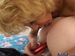 Oznake: igrača, blondinka, oralno, rdečelaska.