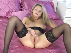 태그: 나이든여자, 스타킹, 성적쾌감, 손기술.