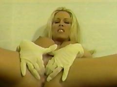 Тагови: мастурбација, големи цицки, природни цицки, плавуша.