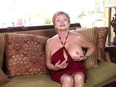 Etiquetas: madre que me follaría, abuelita , masturbándose, madura.