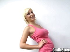 Tags: blondīnes, dabiskās krūtis, mazi pupi, lieli pupi.