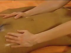 Tags: masazhë, aziatike, erotike, lezbiket.